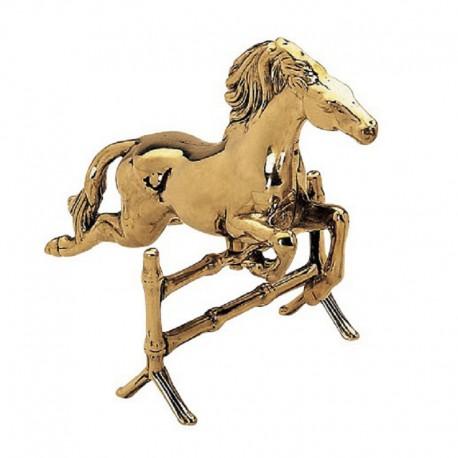 Конь St530